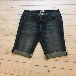 SO Juniors 11 Bermuda Denim Shorts